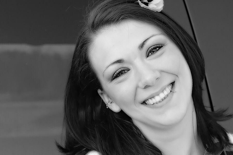 Sterling VA Dentist | Are Dental Veneers Right for Me?